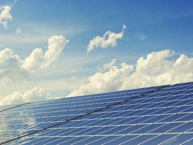 """La révision des tarifs solaires met la filière photovoltaïque """"en danger"""""""